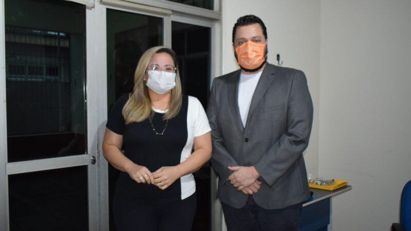 Vereadora e médica Michelle Melo e presidente em exercício do Sindmed-AC realizam reunião institucional