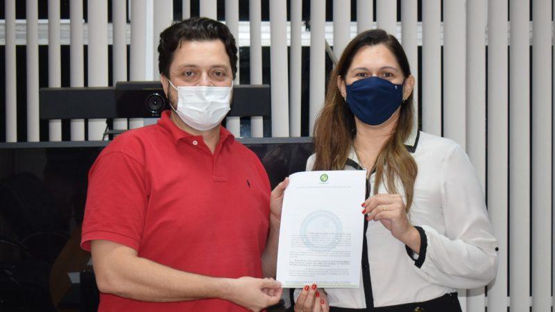 Sindmed-AC entrega minuta de PCCR que pede a valorização do médico